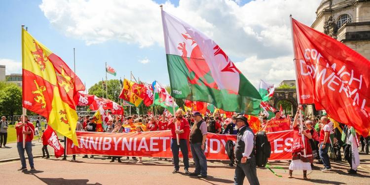 Primera gran manifestació independentista a Cardiff, 2019.